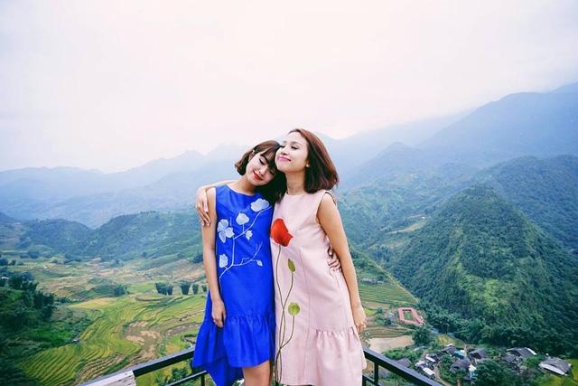 Ít ai biết, từ khi chưa nổi tiếng thì Vân Hugo và Mi Vân đã là những người bạn thân của nhau. Cả hai còn có những nét tương đồng như: đều là những hot girl đời đầu của Hà Nội và đều không gặp may mắn trong hôn nhân.