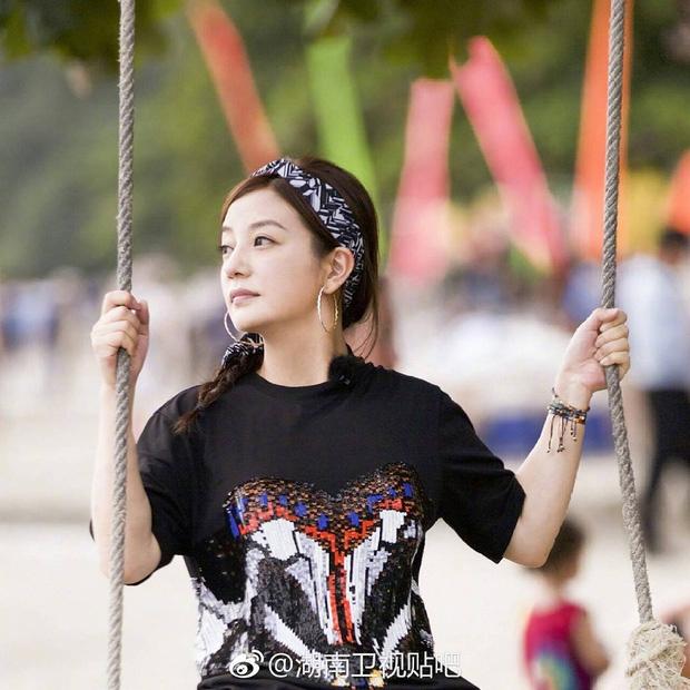 """tham gia gameshow, trieu vy dat hang hieu kin nguoi khien fan """"phat sot phat ret"""" - 3"""