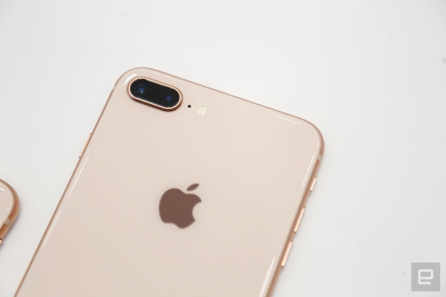 Thuc te iPhone 8, 8 Plus: Don bay de ban iPhone X? hinh anh 4