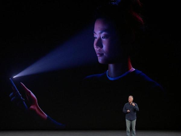 iPhone X chỉ hỗ trợ nhận dạng một khuôn mặt để mở khóa máy