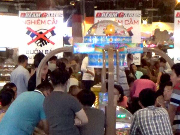 Phá ổ cờ bạc trong trung tâm thương mại Aeon Mall ở Sài Gòn