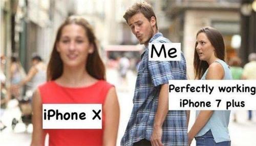 Dế cưng iPhone 7 bỗng trở nên cục mịch trước iPhone X.