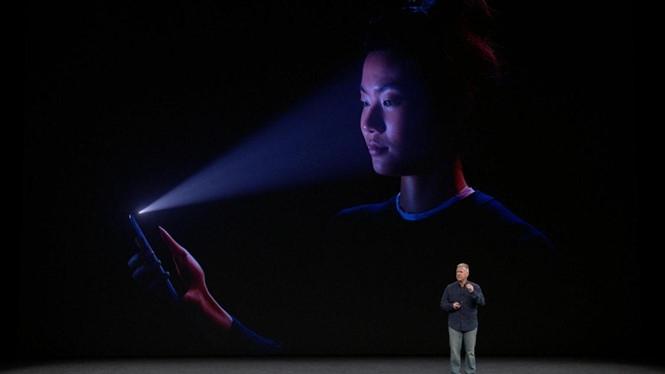 iPhone X chỉ hỗ trợ một khuôn mặt để mở khóa máy /// Ảnh chụp màn hình CNET
