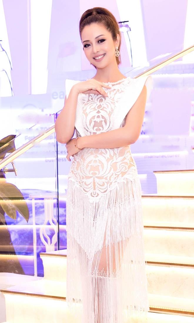 Jennifer Phạm đẹp như nữ thần với váy lạ mắt, nhìn thấu 60% hình thể - 3