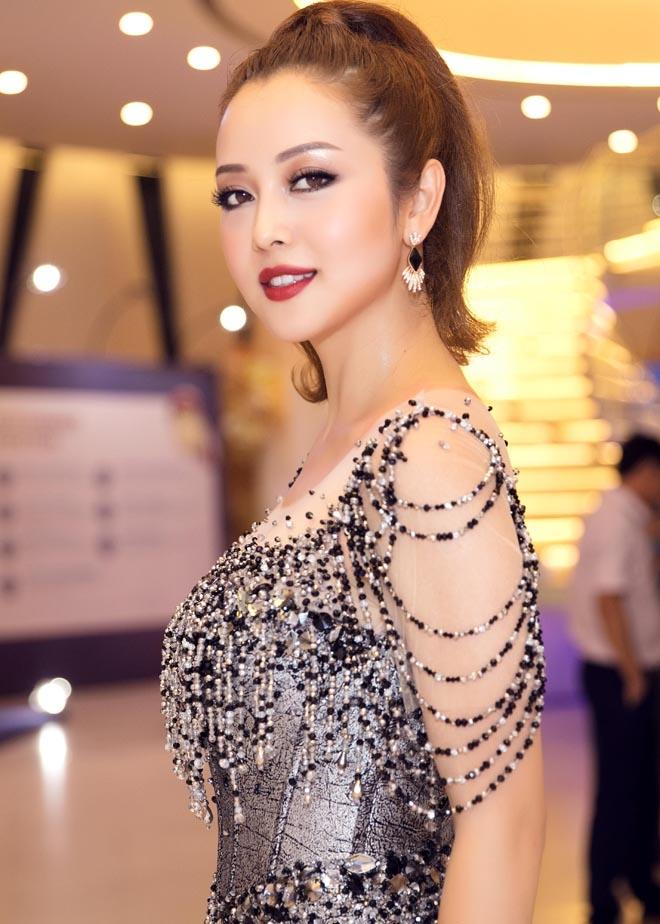 Jennifer Phạm đẹp như nữ thần với váy lạ mắt, nhìn thấu 60% hình thể - 6
