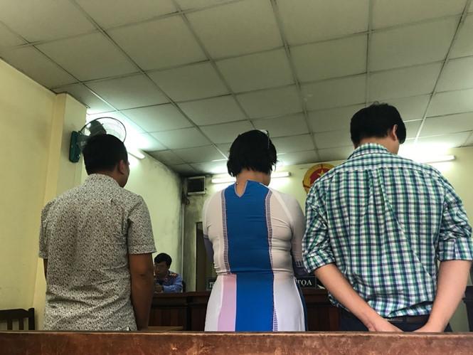 Các bên nghe HĐXX tuyên án /// Ảnh: Phan Thương
