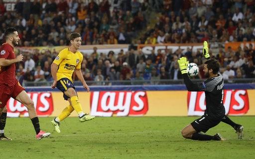 Alisson thi đấu tuyệt hay trước Atletico Madrid