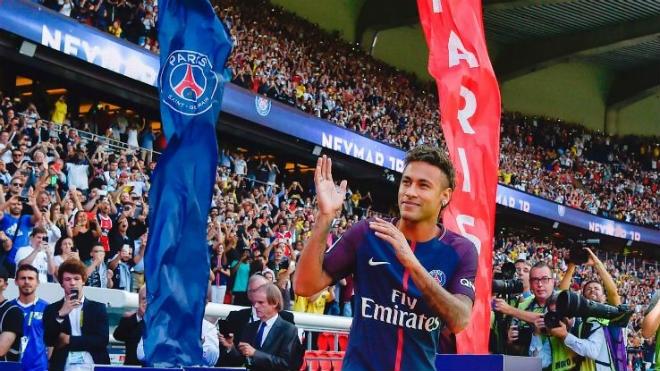 Messi ký hợp đồng mới với Barca: Bài học xương máu từ Neymar - 3