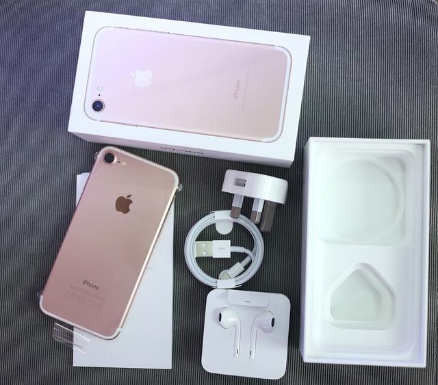 iPhone 7 đầu tiên về VN giá lên đến 34 triệu đồng