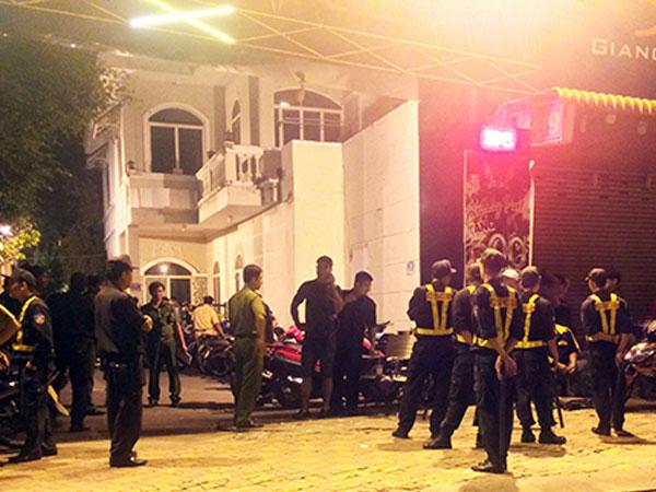 Hơn trăm cảnh sát phong tỏa quán bar ở Bình Dương