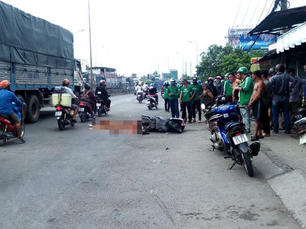 Tài xế Grabbike tử vong sau va chạm với xe đầu kéo trên quốc lộ