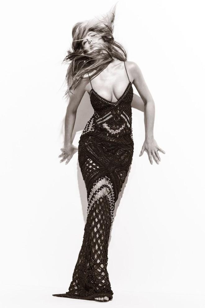 Ở tuổi 48, Jennifer Aniston vẫn khiến người ta say đắm bởi vóc dáng thon thả và đường cong nóng bỏng - Ảnh 2.