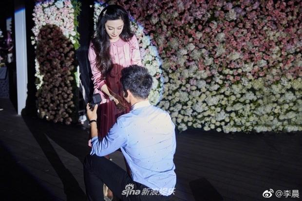 Phạm Băng Băng bị nghi cưới chạy bầu khi Lý Thần tuyên bố cầu hôn thành công - Ảnh 2.