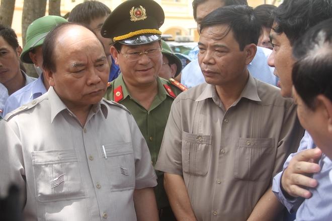 Thủ tướng chỉ đạo Nghệ An phối hợp lực lượng giúp dân để cuộc sống trở lại bình yên sau bão - Ảnh 1.