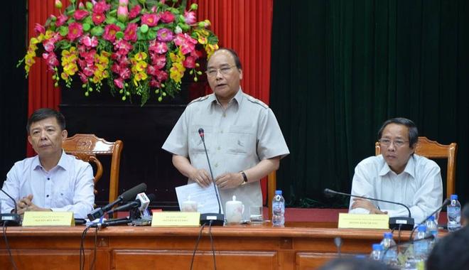 Thủ tướng Nguyễn Xuân Phúc: Không để hồ thủy điện xả đập gây ra lũ ở vùng bão số 10 vừa đi qua - Ảnh 5.
