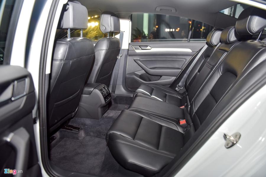 Volkswagen Passat phien ban moi canh tranh Camry, Mazda6 tai Viet Nam hinh anh 12