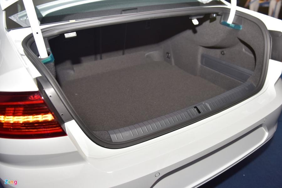Volkswagen Passat phien ban moi canh tranh Camry, Mazda6 tai Viet Nam hinh anh 13