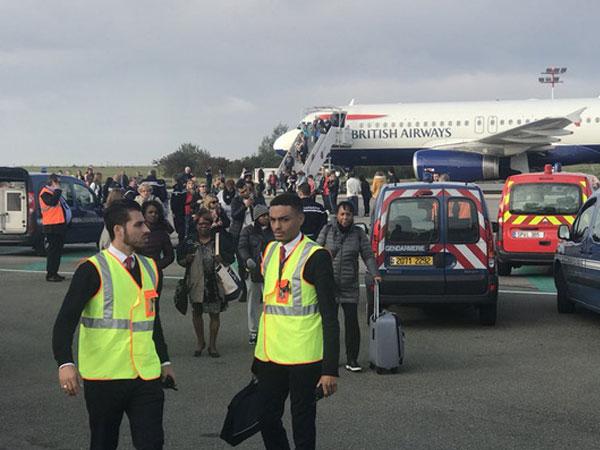 Máy bay bị sơ tán khẩn cấp tại sân bay Pháp