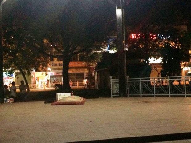 Huế: Đang dạo mát, hoảng hồn phát hiện thi thể nam giới trong công viên - Ảnh 1.