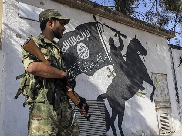 Lạnh gáy nghi vấn Lầu Năm Góc mua vũ khí từ Séc cấp cho phiến quân đối lập Syria
