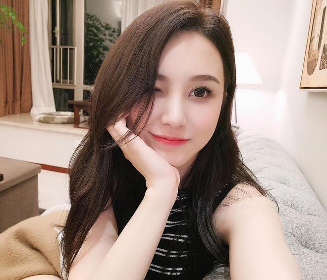 Cô bạn Trung Quốc mặt xinh, dáng đẹp, người gì đâu đáng yêu hết phần người khác - Ảnh 1.
