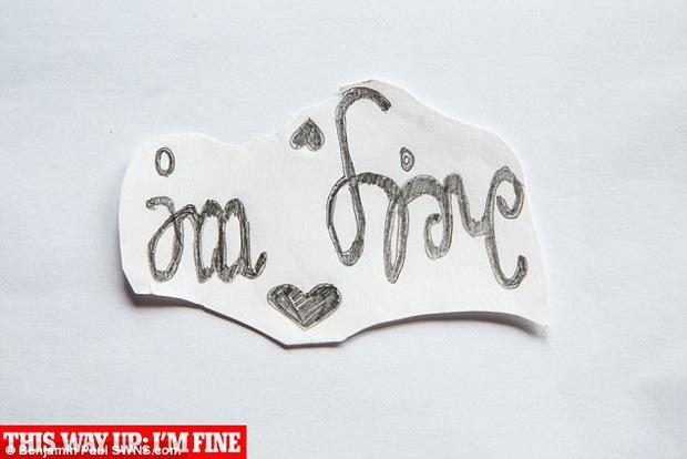 Con gái xinh đẹp, học giỏi tự tử, mẹ đau đớn tìm thấy mảnh giấy có chứa dòng chữ cầu cứu bí ẩn trong phòng - Ảnh 8.