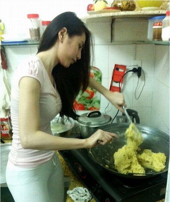 Khoe cơm Thủy Tiên tự tay nấu, Công Vinh tiết lộ: Có bao tiền mang về hết cho vợ - Ảnh 2.