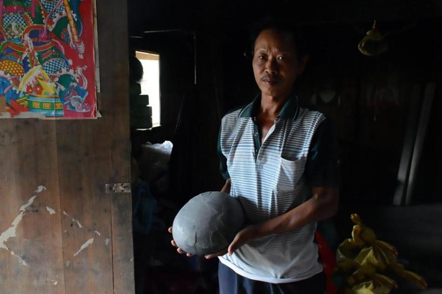 """Kỳ lạ vách đá """"đẻ trứng"""" suốt bao năm qua ở Trung Quốc - 1"""