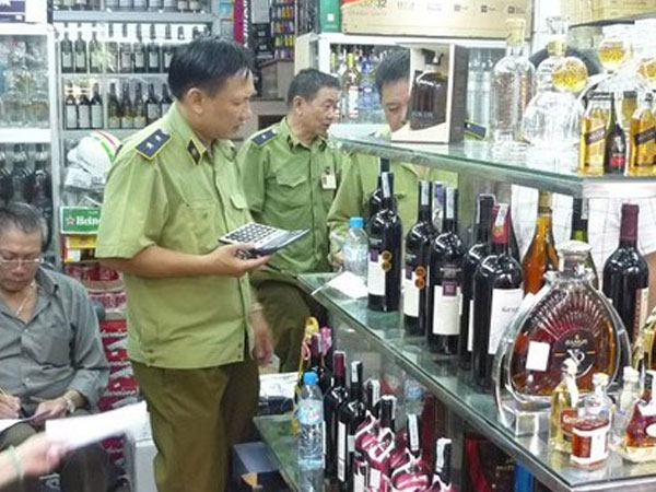 Cấm bán rượu cho người dưới 18 tuổi