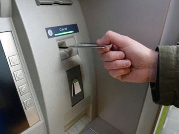 Người Sài Gòn vây bắt du khách rút ATM bằng thẻ giả