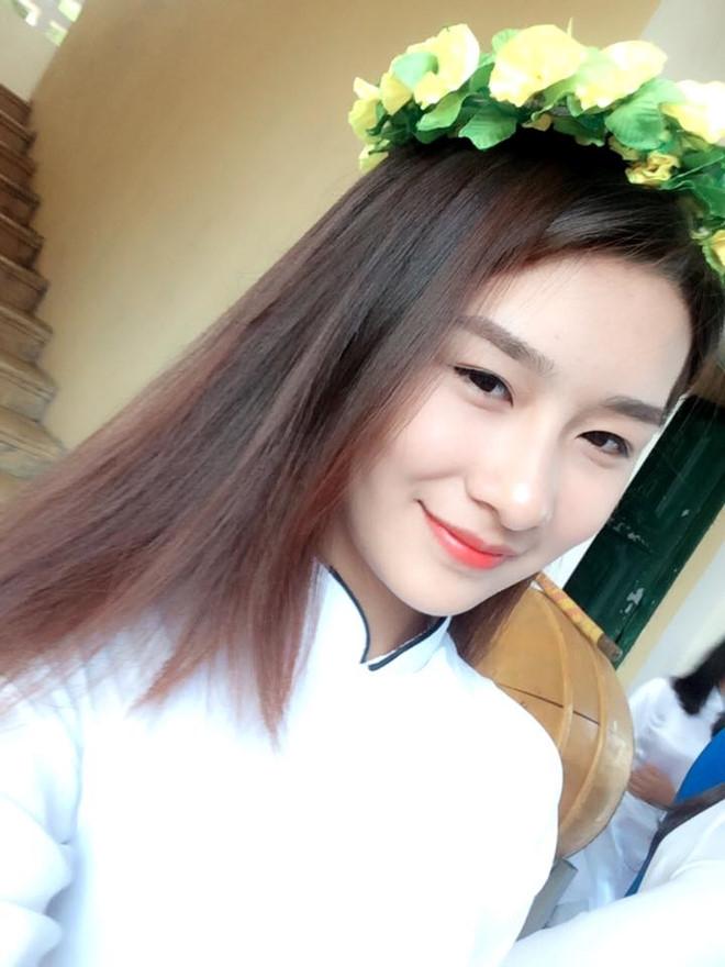 10X Lao Cai kho so khi bi nham la hot girl anh bia sach giao khoa hinh anh 3