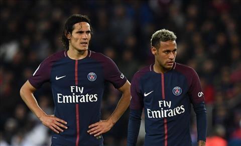 Hau ve Dani Alves noi ve vu viec giua Cavani va Neymar hinh anh