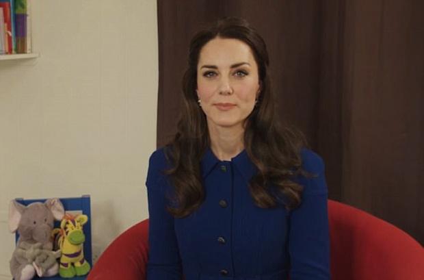 Công nương Kate lần đầu xuất hiện sau thông báo mang bầu lần 3, xanh xao vì ốm nghén nặng - Ảnh 2.