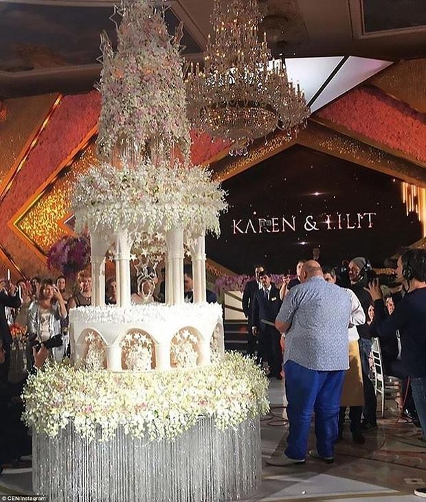 Đám cưới xa hoa của con trai ông trùm bất động sản Nga cùng cô dâu xinh đẹp như công chúa trong truyện cổ tích - Ảnh 5.