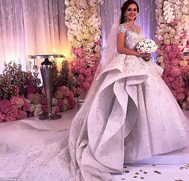 Đám cưới xa hoa của con trai ông trùm bất động sản Nga cùng cô dâu xinh đẹp như công chúa trong truyện cổ tích - Ảnh 8.