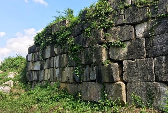 Di sản thế giới Thành nhà Hồ bị đổ tường thành - Ảnh 3.