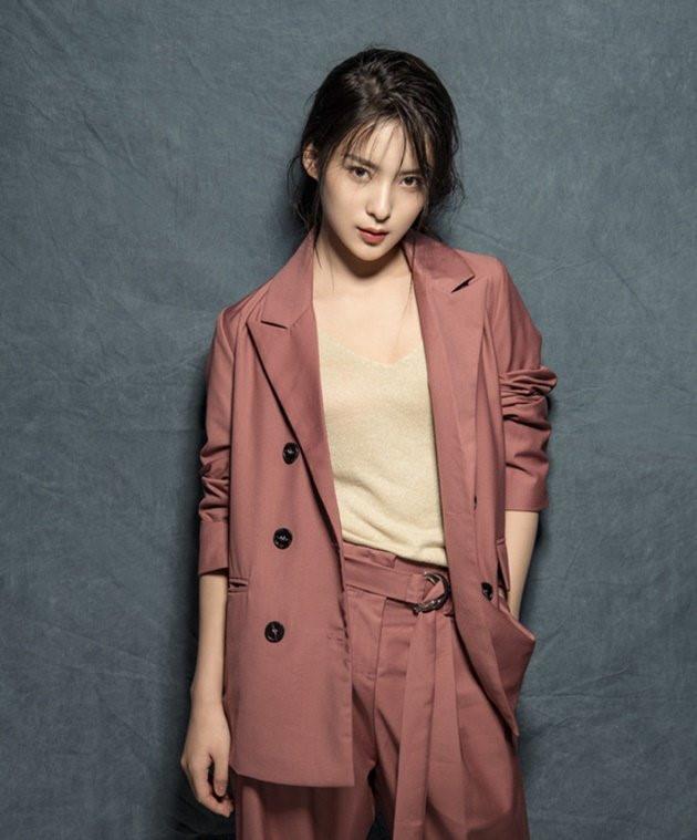 Trương Hiểu Duy là nữ diễn viên trẻ tuổi của Trung Quốc. Hiểu Duy vẫn còn là sinh viên, cô đang theo học Học viện Điện ảnh Bắc Kinh.
