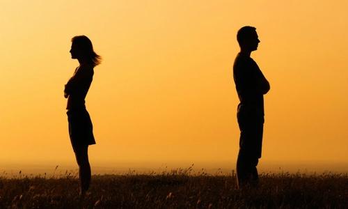 Vợ nhất định đòi ly hôn sau một lần bị tôi xúc phạm nặng nề