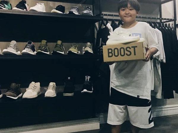 Cậu bé Sài Gòn gây tranh cãi khi có bộ sưu tập giày giá trị ở tuổi 12