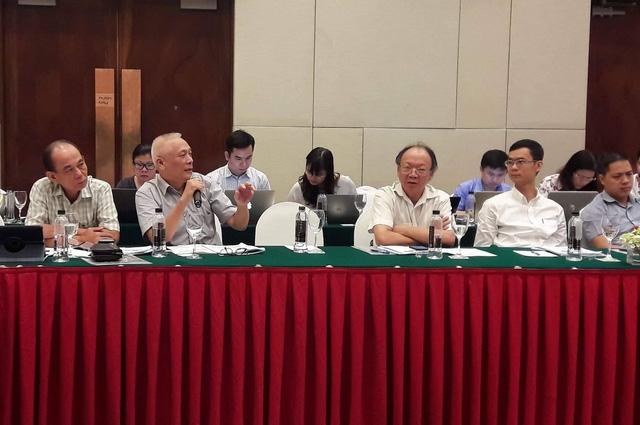 Các chuyên gia phát biểu tại hội thảo.