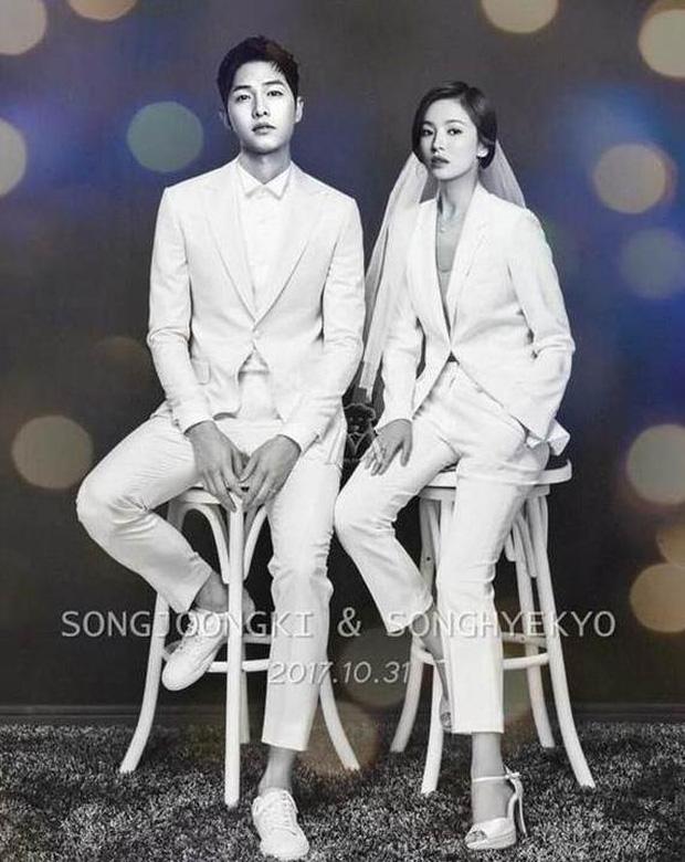 Ảnh cưới của Song Joong Ki - Song Hye Kyo bất ngờ được tiết lộ và sự thật đằng sau đó - Ảnh 1.