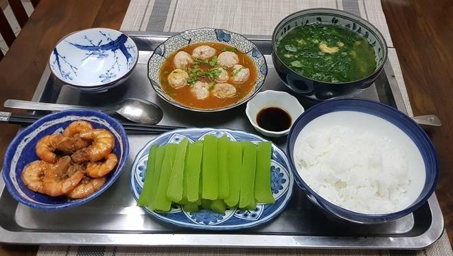 Bà mẹ chồng quốc dân ngày nấu đủ 3 bữa, mỗi bữa một thực đơn ngon lành đẹp mắt cho con dâu ở cữ - Ảnh 18.