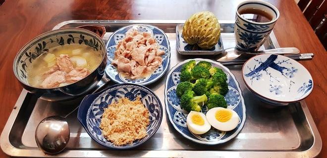 Bà mẹ chồng quốc dân ngày nấu đủ 3 bữa, mỗi bữa một thực đơn ngon lành đẹp mắt cho con dâu ở cữ - Ảnh 23.