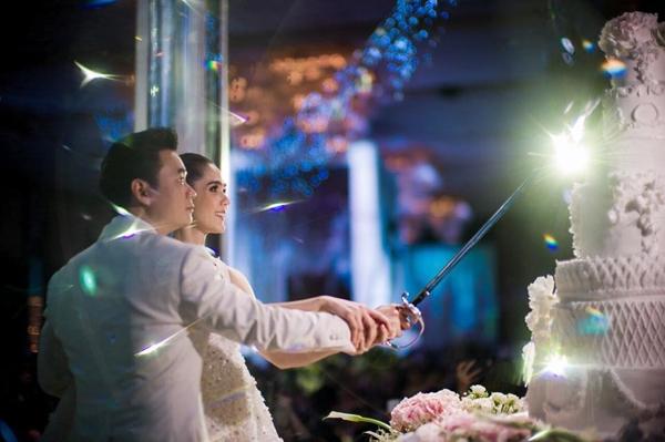 Không riêng đám cưới với hồi môn 69 tỷ, cách tỷ phú trẻ này đối xử với vợ cũng khiến nhiều người phát ghen - Ảnh 15.