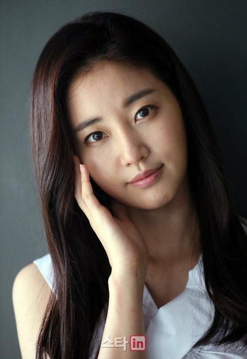 Top Hoa hậu Hàn Quốc huyền thoại: Người trở thành nữ đại gia showbiz, kẻ tuột dốc thảm hại vì thẩm mỹ - Ảnh 13.