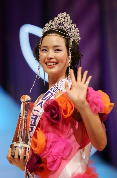 Top Hoa hậu Hàn Quốc huyền thoại: Người trở thành nữ đại gia showbiz, kẻ tuột dốc thảm hại vì thẩm mỹ - Ảnh 17.