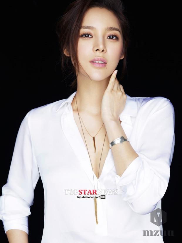 Top Hoa hậu Hàn Quốc huyền thoại: Người trở thành nữ đại gia showbiz, kẻ tuột dốc thảm hại vì thẩm mỹ - Ảnh 23.