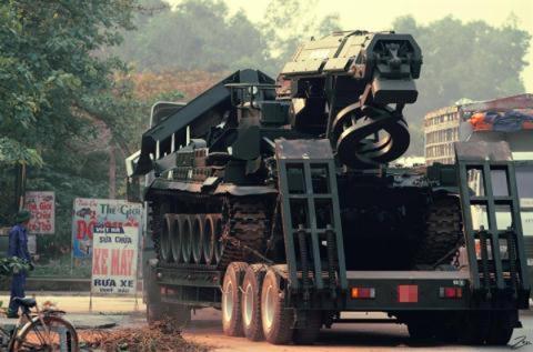 Xe cong binh Viet Nam manh ngang Nga trong Zapad-2017