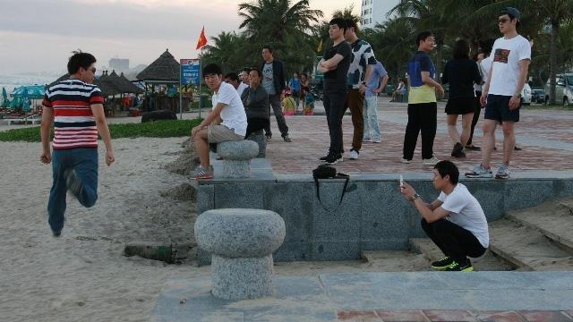 Hàng loạt người Trung Quốc bị tố hướng dẫn chui, thông tin sai sự thật về VN tại Đà Nẵng - Ảnh 4.
