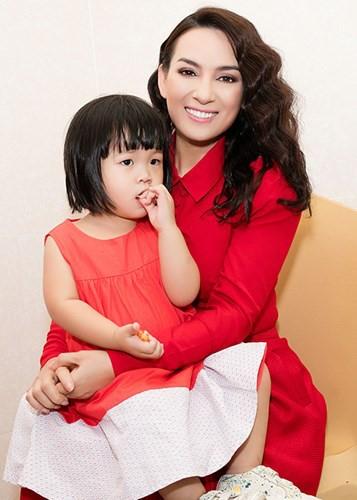 Ca sĩ Phi Nhung: Không thể lấy chồng vì quá đông con - Ảnh 4.
